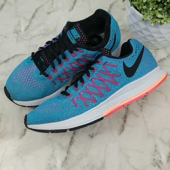 Nike Zoom Pegasus 32 Women s Running Shoes. M 5afbaca031a376fe9bb257f8 fae6ceb50